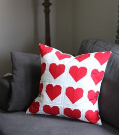 Link to tutorial for Red Heart Pillow, Cluck Cluck Sew Diy Craft Projects, Sewing Projects, Sewing Ideas, Hate Valentines Day, Cluck Cluck Sew, Heart Pillow, Pillow Talk, Tips & Tricks, Sewing Pillows