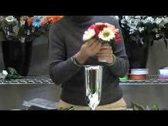 How-To Make a Hand-Tied Gerbera Daisy Bouquet