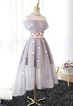 Best Sale Elegant A-Line Off-Shoulder High-Low Gray Organza Prom Dresses with Ap. - Best Sale Elegant A-Line Off-Shoulder High-Low Gray Organza Prom Dresses with The purple off shoulder see through homecoming dresses are fully Source by nehirzerkin - Homecoming Dresses High Low, Prom Party Dresses, Evening Dresses, Graduation Dresses, Short Prom, Dress Party, Bridal Dresses, Flower Dresses, Size 18 Prom Dresses