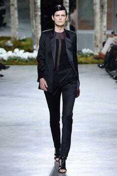 Hugo Boss Fall 2014 – Vogue