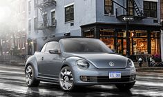 At the 2015 New York International Auto Show, Volkswagen took the wraps off a quartet of special-edition Beetles. Each concept has its own unique style and color, and each nods to the Beetle's past, as well as its present and future. Volkswagen New Beetle, Vw Bus, Volkswagen Beetle Cabriolet, Vw Cabrio, Beetle Bug, My Dream Car, Dream Cars, Vw Beetle Convertible, Auto Motor Sport