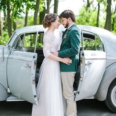 Pin for Later: 25 Brides Who Went Modest on Their Wedding Day — and Completely Took Our Breath Away  Sweet and chic.