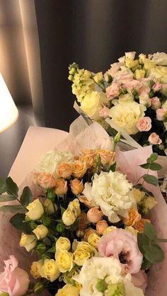Blue Flowers Bouquet, Dark Flowers, Pastel Flowers, Simple Flowers, Vintage Flowers, Yellow Flowers, Beautiful Flowers, Romantic Flowers, No Rain