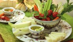 fresh vegetables and TUSCANY OLIVES decorated porcelain: a perfect pinzimonio!