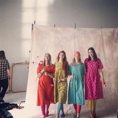 Colorful women for Gudruns spring 2018 today at #springstudios  #gudrunsworld #gudrunsjoden #ecocotton #greenlife #colorfulwomen #swedishfashion