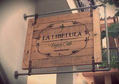 Cartel - Letrero / Estilo Vintage Industrial / diseño con palets / Decoracion Vintage / Restaurante / www.desvanvintage.com