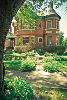 gorgeous brick Queen Anne style Victorian home in the historic Woodbridge neighborhood of Detroit, Michigan Victorian Architecture, Historical Architecture, Old Victorian Homes, Victorian Houses, Monuments, Old Mansions, Second Empire, Classic House, Queen Anne