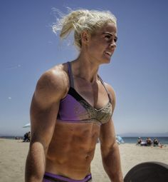 Sara Sigmundsdottir Beach Training