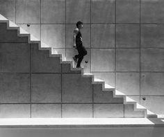 Casa T : Pasillos, vestíbulos y escaleras modernos de Studio Arquitectos