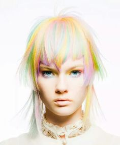 <3 <3 <3 <3 I love the cut and how it works with the colors. The bangs! Just how they are cut it makes this all the more interesting.