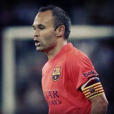 We're 90 minutes away from the starting whistle... Força Barça! Som a 90 minuts del començament del partit... Força Barça! Estamos a 90 minutos de que empiece el partido... Força Barça! #LevanteFCB @andresiniesta8