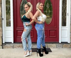 darcy and stacy - Google Search Plastic Surgery, Bell Bottom Jeans, Mom Jeans, Celebrities, Pants, Beauty, Women, Fashion, Moda