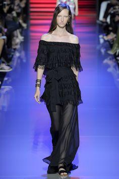 Elie Saab Spring 2016 Ready-to-Wear Fashion Show - Liza Ostanina (Next)