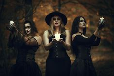 Sing For Me Angel Of Afterlife, thewiccanfae: The Witches by LucreciaMortishia Vintage Witch Photos, Witch Pictures, Witch Coven, Halloween Photography, Halloween Pictures, Halloween Photo Shoots, Halloween Costumes, Dark Photography, Beauty Photography