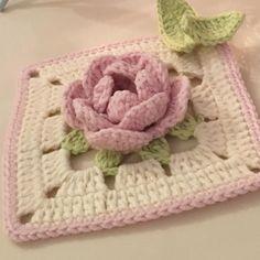 İpler YarnArt Jeans & tığ no: 2 Crochet Square Blanket, Granny Square Crochet Pattern, Crochet Blocks, Crochet Squares, Crochet Stitches Patterns, Crochet Motif, Crochet Designs, Crochet Flowers, Hand Crochet