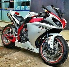 Schitterende motor. De Yamaha rijdt fantastisch en vraagt weinig onderhoud.