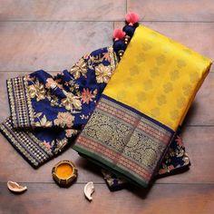 Wedding Saree Blouse Designs, Half Saree Designs, Silk Saree Blouse Designs, Fancy Blouse Designs, Blouse Patterns, Bridal Silk Saree, Silk Sarees, Jamdani Saree, Cotton Saree