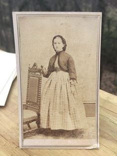 Antique CDV Photo 1800s Civil War Woman Hartford Connecticut . Kellogg .