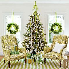 101 Fresh Christmas Decorating Ideas | Put Out Christmas Lanterns | SouthernLiving.com
