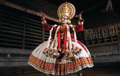 Kathakali-Vorführung (indischer Ausdruckstanz) in Kerala, Teil der Indienreise http://www.mahatravel.com/klassiker_suedindien-kultur-und-erholung