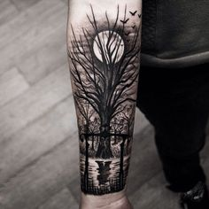 Tätowierungsbaum am Vollmond – Tattoo… - Tattoo Designs Men Forest Forearm Tattoo, Tree Tattoo Arm, Forest Tattoos, Cool Forearm Tattoos, Forearm Tattoo Design, Leg Tattoos, Sleeve Tattoos, Xoil Tattoos, Octopus Tattoos