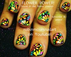 Nail-art by Robin Moses psychedelic daisy! http://www.youtube.com/watch?v=c_Qvf_1jnug