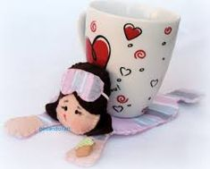 TAPETE DE CANECA에 대한 이미지 검색결과 Mug Rugs, Table Toppers, Table Runners, Mugs, Tableware, Crafts, Craft Ideas, Carpet, Log Projects
