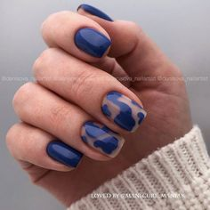 The short square nails look simple and refreshing, perfect for gradually warming weather. Minimalist Nails, Classy Nails, Stylish Nails, Funky Nails, My Nails, Fruit Nail Art, Queen Nails, Short Gel Nails, Short Square Nails