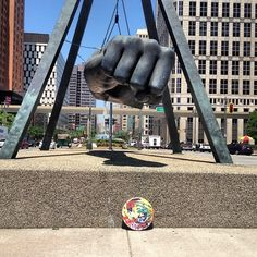 @plutoniumpaint   First Drop!! Free Art Friday Detroit x Rob Adams Art And Design --> #PlutoniumPaint  #RobAdamsArtist #Art #StreetArt #Detroit #FAFDET