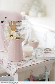 Ideas For Shabby Chic Kitchen Decor Pastel Pastel Decor, Deco Pastel, Pastel Pink, Pastel Shades, Pastel Colors, Casas Shabby Chic, Vintage Shabby Chic, Shabby Chic Decor, Vintage Sewing