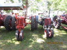 Case tricycle tractors r-l:CC & SC