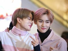 [breaking news] member jungwoo is the next victim in nct who falls for winwin's charms
