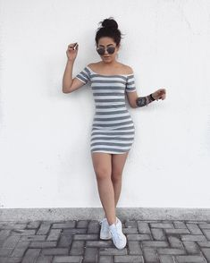 Sports type dresses that will give you a better silhouette – Outfit Inspiration & Ideas for All Occasions Simple Fall Outfits, Trendy Outfits, Cool Outfits, Summer Outfits, Dress And Sneakers Outfit, Dress Outfits, Belle Nana, Cute Dresses, Casual Dresses
