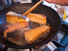 Japanese Cooking 101 continues with the Fish Lesson! Part 1 is a basic salmon teriyaki.