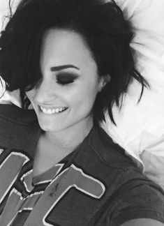 Demi Lovato is so beautiful Demi Lovato 2015, Divas, Demi Love, Actrices Hollywood, Woman Crush, Messy Hairstyles, Girl Crushes, Pretty People, Amazing People