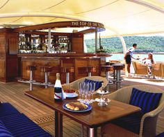 Sea Dream Top of the Yacht Bar! My favorite spot for afternoon cocktails. All Inclusive Cruises, Yacht Cruises, Luxury Yacht Interior, Luxury Yachts, Small Yachts, Sea Dream, Ocean Cruise, Yacht Design, Cruise Travel