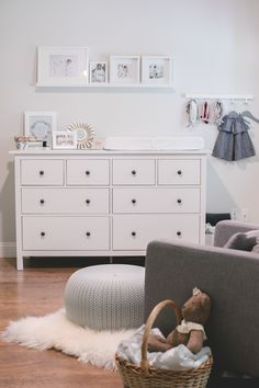 Nursery Inspiration - karin u living I love the white dresser with the black pulls. I may do this with the baby's dresser and night stand, leaving the top of the dresser the dark wood. Nursery Dresser, Nursery Room, Baby Dresser, Nursery Decor, Baby Bedroom, Baby Room Decor, Ideas Habitaciones, Nursery Neutral, Baby Nursery Grey