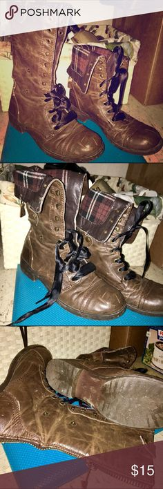 Brown Fashion Combat Boots In good used condition. Broken in perfect and sI put black ribbon laces in myself so that's what they come with (trying to achieve the doc martens triumph 1914 knockoff look) they are a bit short but they work. These fold down and can be snapped in at 2 different fold heights. Zipper back. Size women's 9. Originally purchased at journeys. bullboxer Shoes Combat & Moto Boots