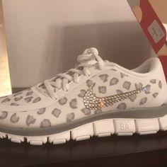 556758c84b26ef Joy Pasieka added a photo of their purchase Nike Slides