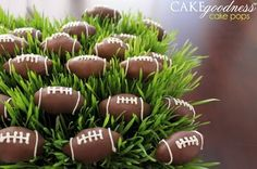 football cake pops, these would be great for a Superbowl or ACC Championship party... Hint hint, wink wink, nudge nudge #Hokies :)