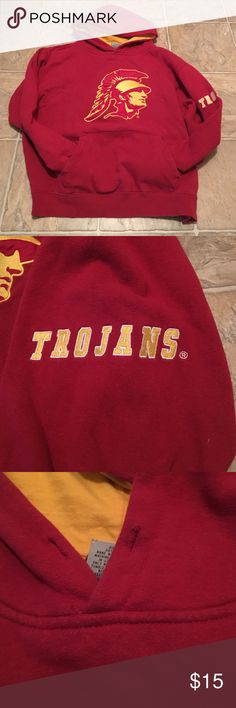 🎂USC trojans hoodie unisex logo hoodie. classic red and gold, perfect to rep your alma mater! Tops Sweatshirts & Hoodies
