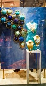 Awesome Window Display!  Mannequin Madness sells jewelry bust forms like this