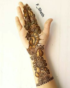 40 Latest Eid Mehndi designs to try in 2019 – Henna 2020 Henna Hand Designs, Dulhan Mehndi Designs, Mehndi Designs Finger, Latest Arabic Mehndi Designs, Full Hand Mehndi Designs, Beginner Henna Designs, Mehndi Designs For Girls, Mehndi Design Photos, Wedding Mehndi Designs