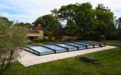 Abri de piscine bas installé à Rieumes, Haute-Garonne 31. Octavia innove sans…