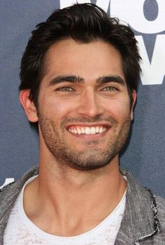 Tyler Hoechlin. Was a cute boy in Seventh Heaven and now a very handsome werewolf in Teen Wolf. :)