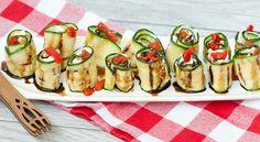 Peynirli ızgara kabak rulo tarifi: http://happycenter.com.tr/happylife/yemek-tarifleri/peynirli-izgara-kabak-rulo-tarifi/