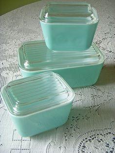 aqua pyrex refrigerator storage dishes