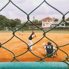 by @bmbyhilvan taken at GOR Lodaya -------- Kota Bandung terhitung tahun 2014 memang punya satu lagi lapangan softball-baseball yaitu di Sarana Olah Raga Arcamanik. Namun karena SOR ini harus terus perawan hingga PON 2016 nanti praktis Lapangan Lodaya masih menjadi lapangan paling representatif di Kota Bandung.  Perbaikan Lapangan Lodaya membutuhkan perhatian dari pihak pemerintah baik itu tingkat kota maupun provinsi. Komunitas softball-baseball pengguna lapangan tak akan bisa berbuat…