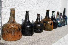 century wine bottles Excavations at Rathfarnam Castle, Dublin, Ireland Antique Glass Bottles, Bottles And Jars, Perfume Bottles, Vintage Bottles, Vintage Perfume, Brown Bottles, Lighted Wine Bottles, Lost & Found, Archaeology