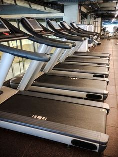 Spotted a vacant treadmill? Score! Good thing you've read these do's and don'ts of treadmill activity!